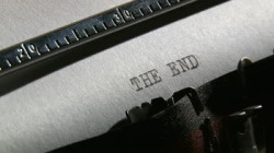 The End Pic typewriter